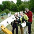 «Article paru dans la Voix de la Haute Marne» «Pierre Bourge devant le télescope qu'il a popularisé»